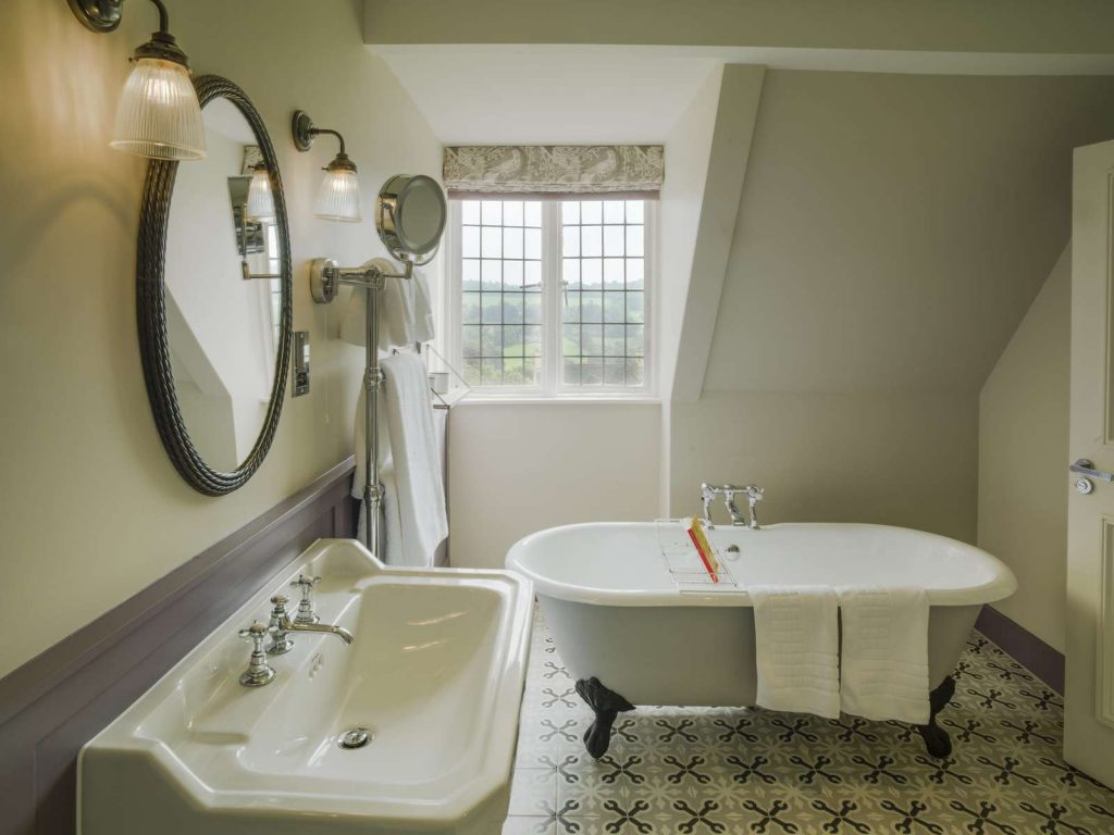 The Painswick feature bath
