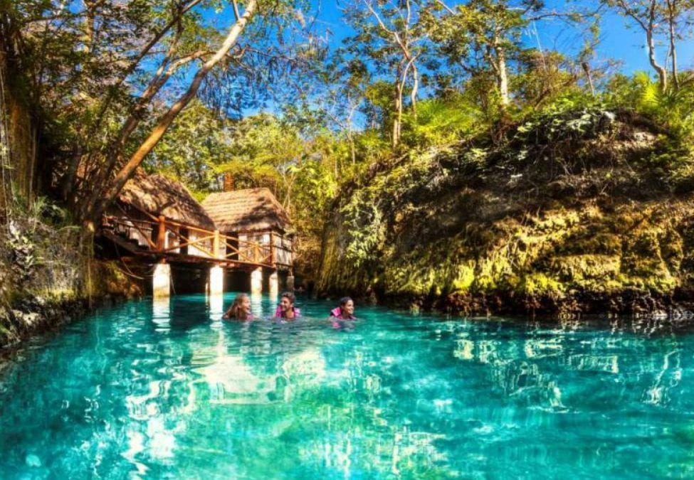Xcaret vs Xplor: Which to visit this summer?