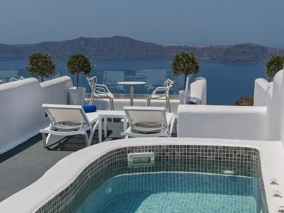 Grand Luxury Plunge Pool Suite
