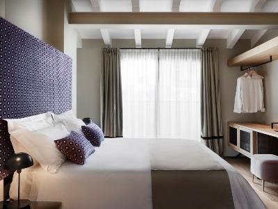 Double Room - Upper Floor