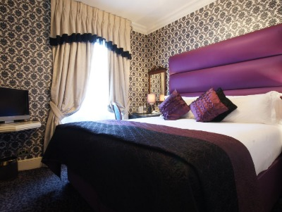 SUITE 1 Bedroom Suite with Kitchenette