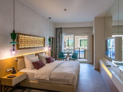 Grand Poolside Room