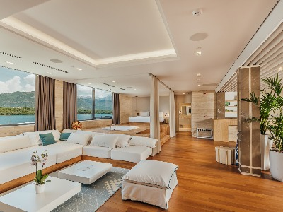 Signature Suite with Sea View