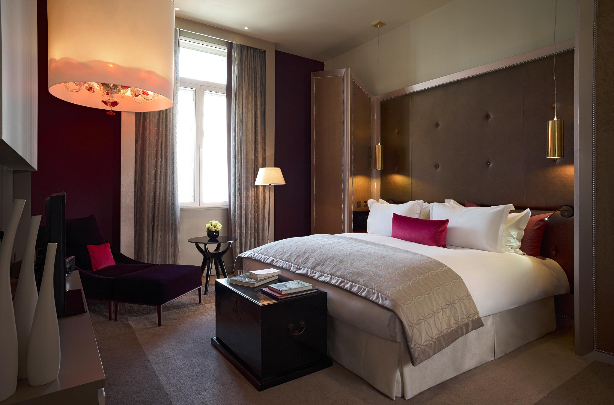 SUITE OPERA SUITE, 1 KING BED, SEPARATE LOUNGE AND DINING SPACE, VIEW OVER WATERLOO PLACE