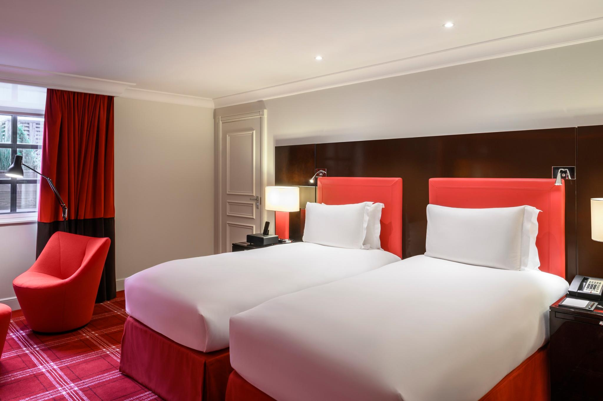 TWIN NEWLY DESIGNED LUXURY ROOM, 2 SINGLE BEDS