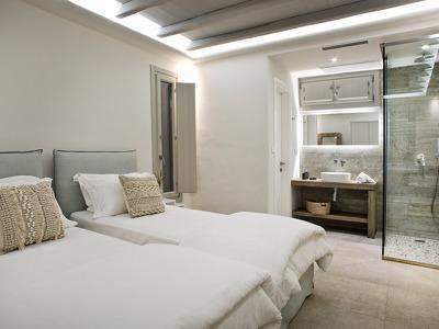 M One Guestroom Downstairs