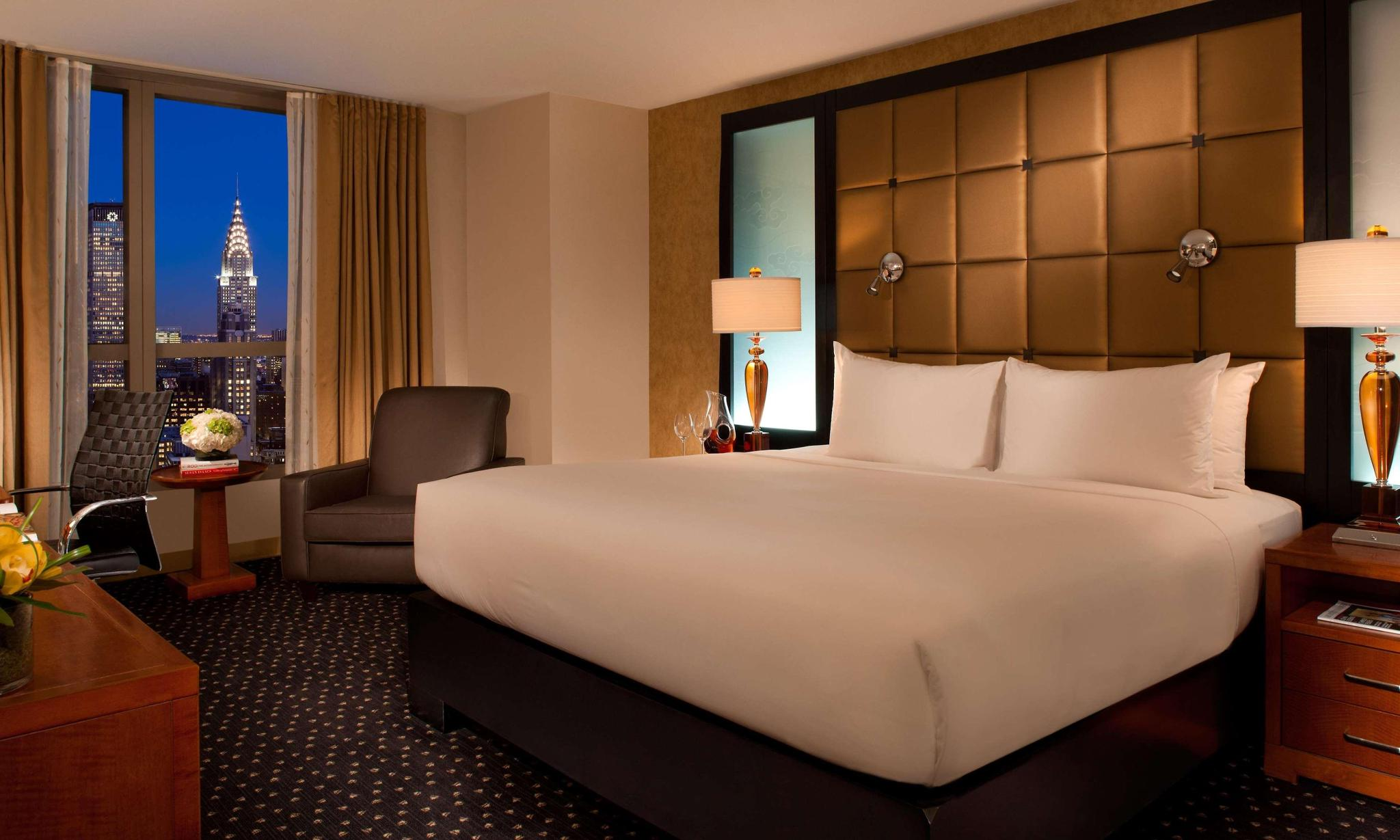 DOUBLE 1 King Bed Deluxe Room