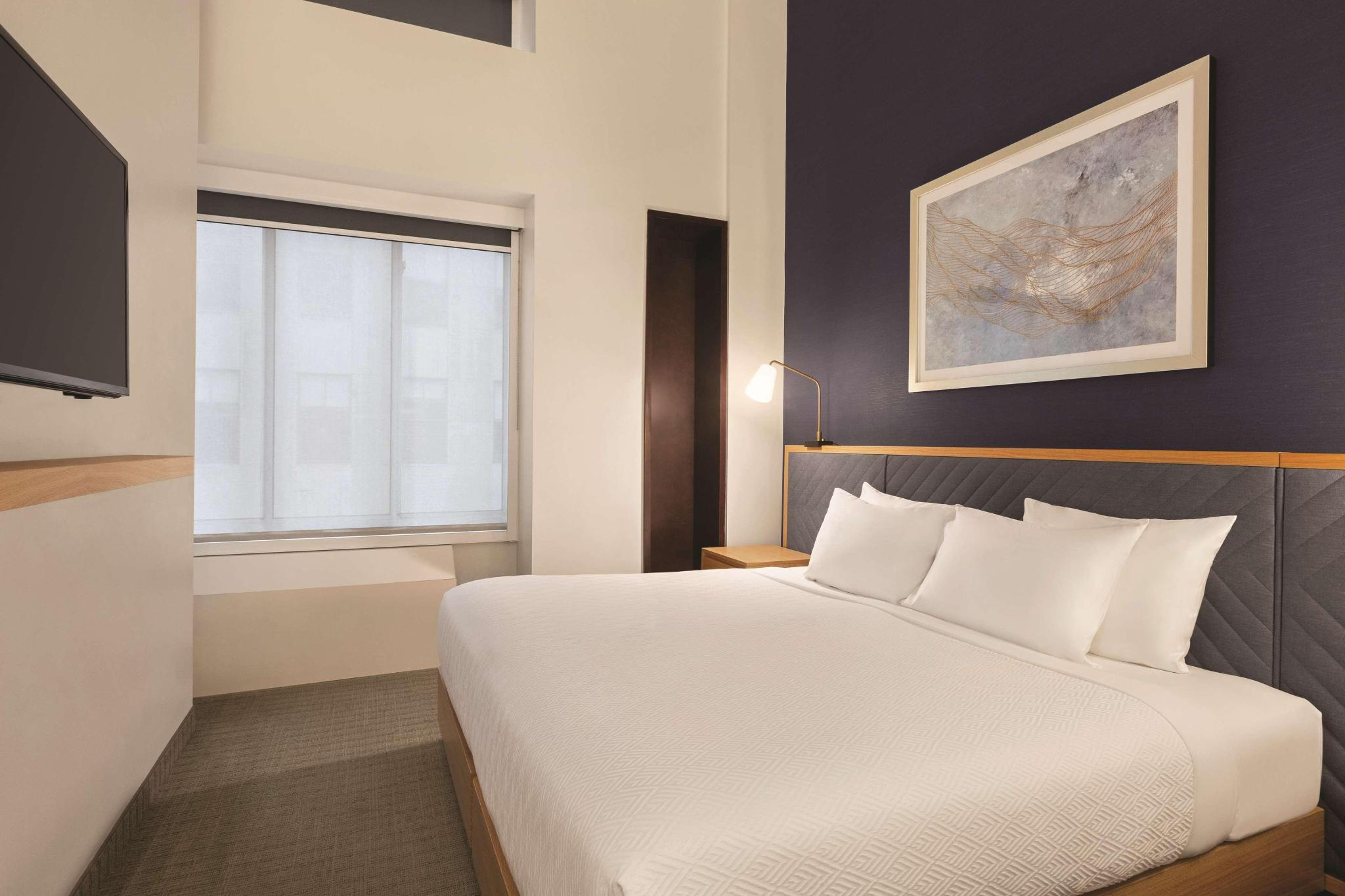 King Bed-Premium Room-Kitchenette-Non Smoking