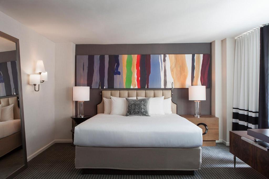 Guest Room Deluxe-1 Bed
