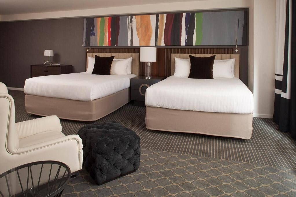 Studio - 2 Beds