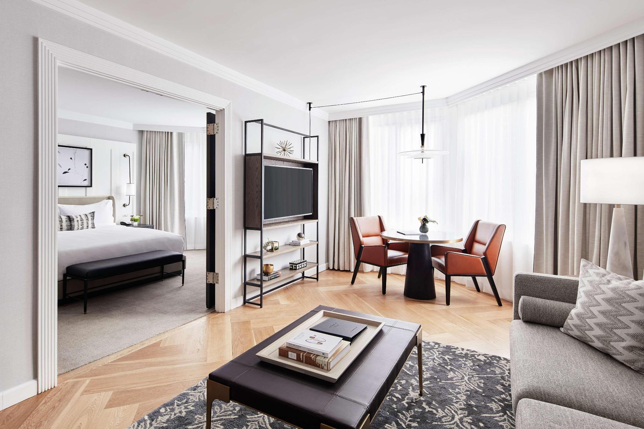 City View 2 Bedroom Suite - 1 Kng 1 Queen
