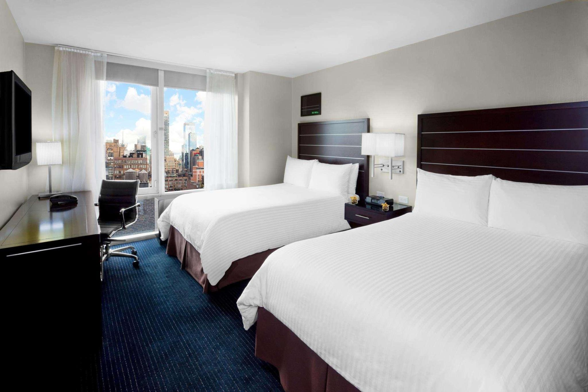 2 Double Beds City View