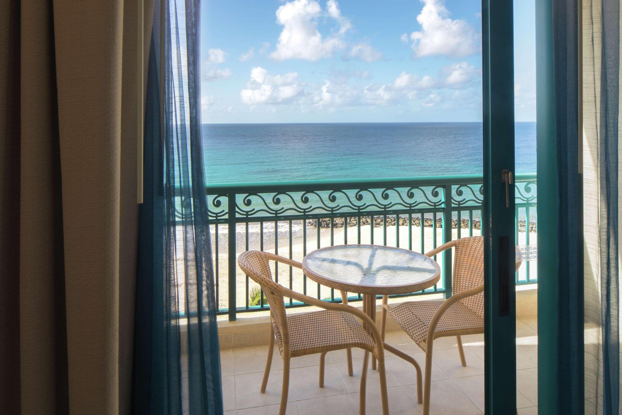 Premium Ocean View 2 Double Beds