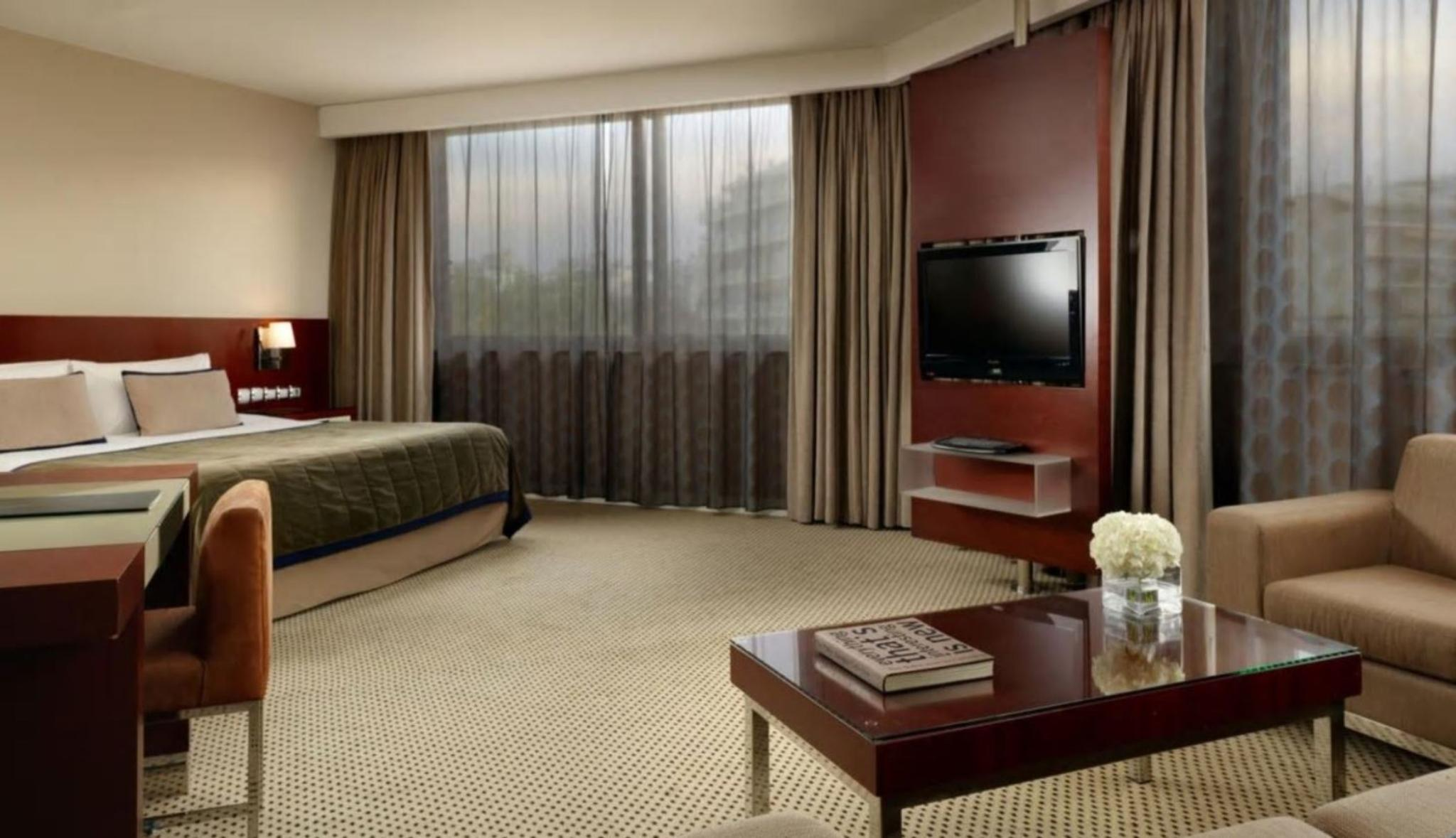 FAMILY ROOM KING OR TWIN BEDDED FAMILY ROOM