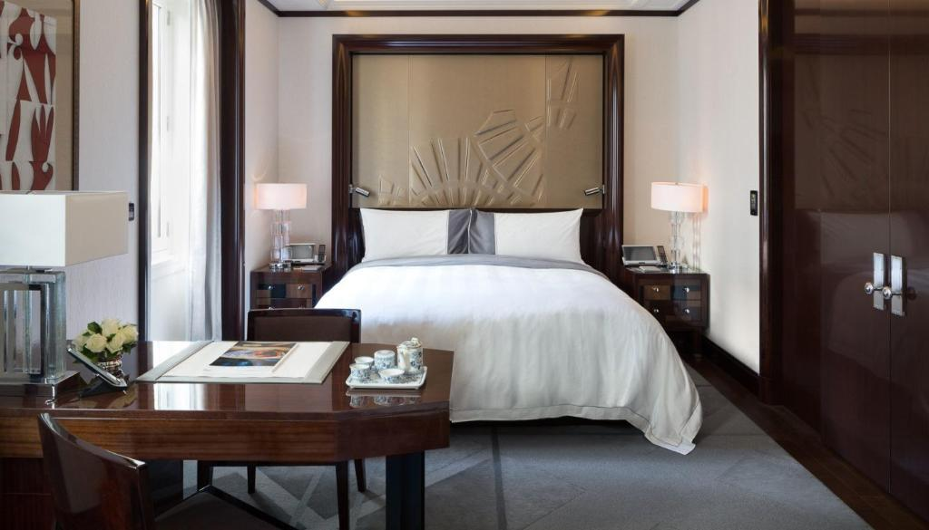 Double Or Twin Deluxe King Room