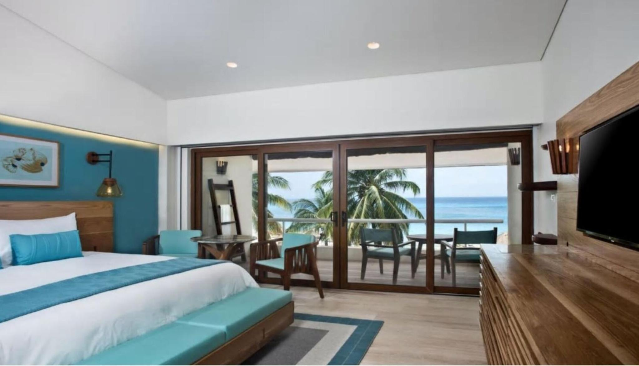 2 DOUBLE BEDS LUXURY POOL VIEW
