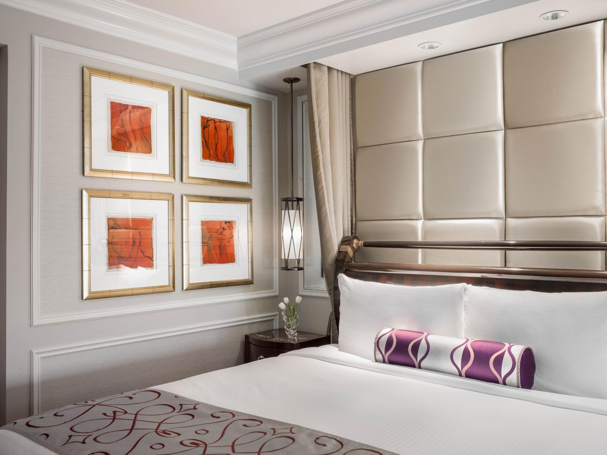 Venetian Luxury 1 King Suite