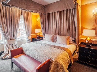 Cadogan Suite  + Chic Treats in Overview