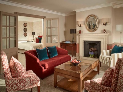 Deluxe Suite + Chic Treats in Overview