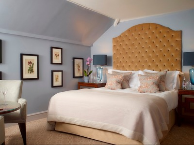 Deluxe Double Room + Chic Treats in Overview