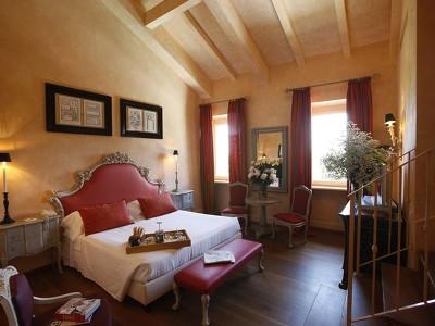 Deluxe room with mezzanine