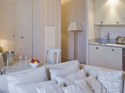 Les Suites du Château (sleeps 2)