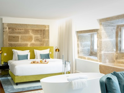 Suite King Deluxe Room + Chic Treats in Overview