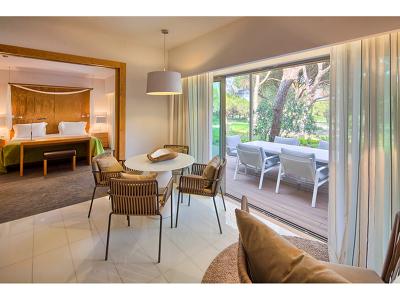 Deluxe Garden Suites