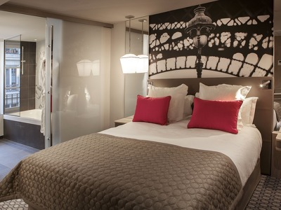 Suite  + Chic Treats in Overview