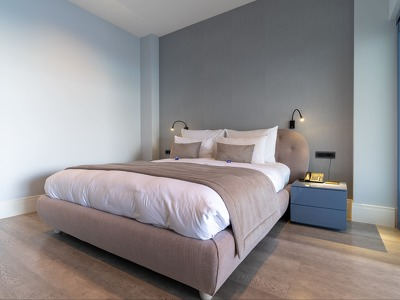 One bedroom apartment + Chic Treats in Overview