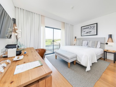Sea View Bedroom+ Chic Treats in Overview