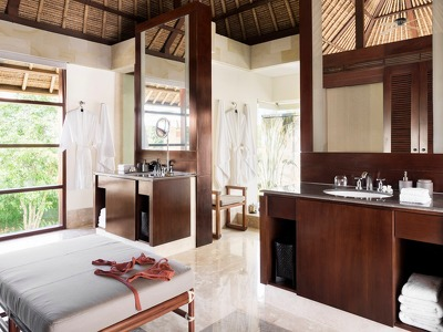 4 Suites Villa Wellness Retreat + Chic Treats in Overview