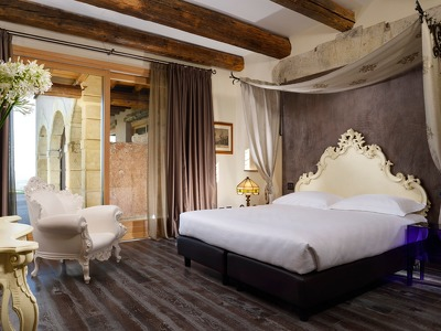 Buteo Suite + Chic Retreats in Overview