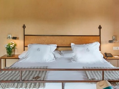 Double Room  + Chic Treats in Overview