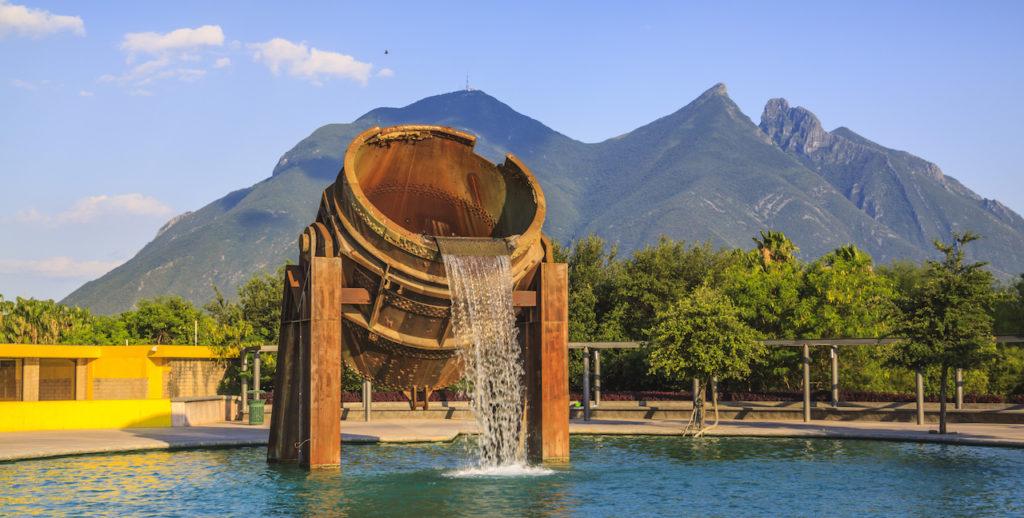 Seguros-de-Auto-en-Monterrey-Nuevo-Leon-Crabi-v001
