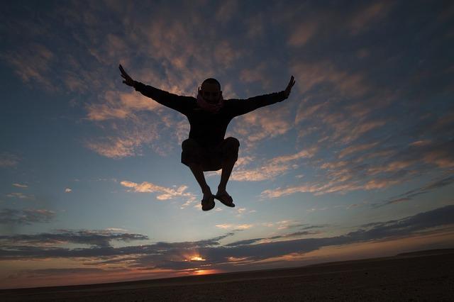 saltando y viviendo