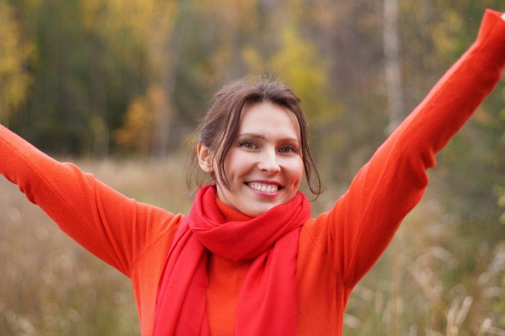 https://pixabay.com/es/chica-mujer-sonrisa-belleza-1722402/