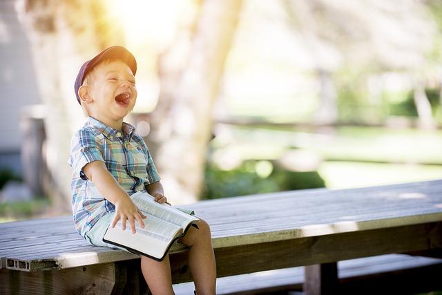 risa de niño