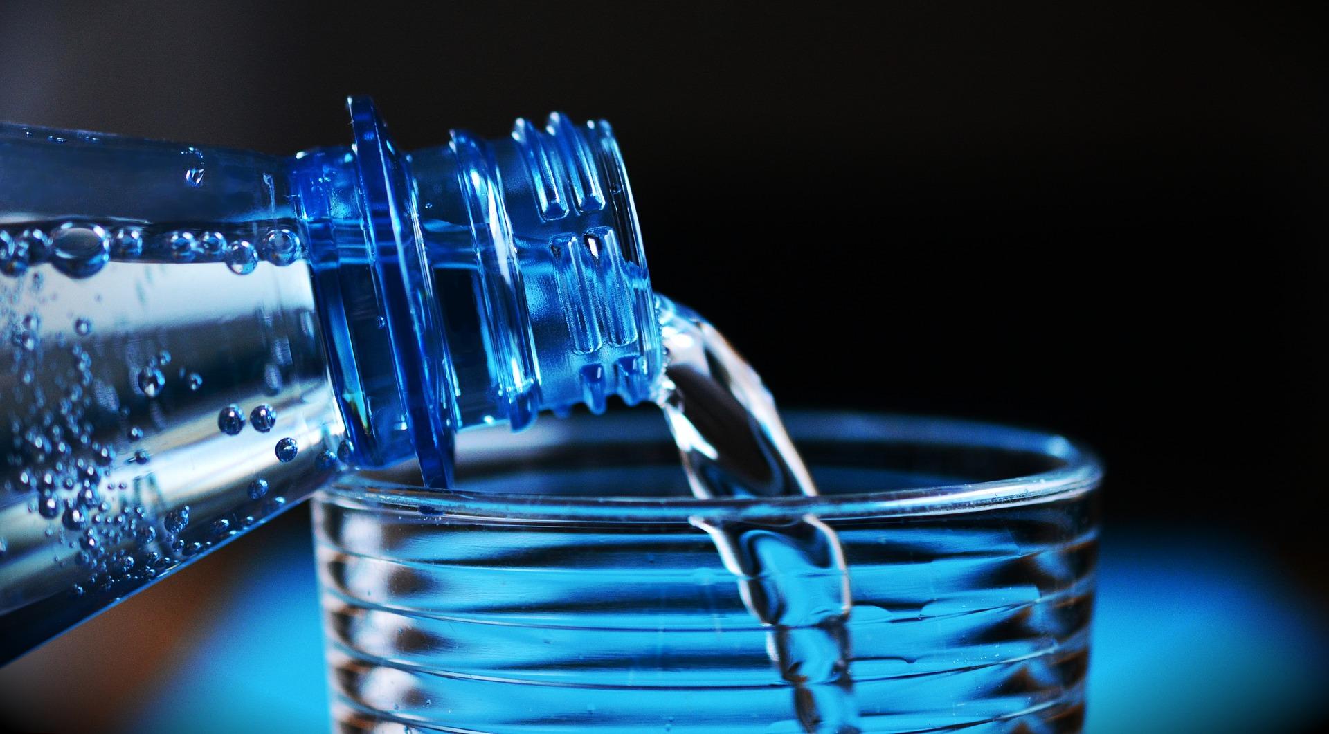 Beber agua después de las comidas: ¿por qué es saludable?