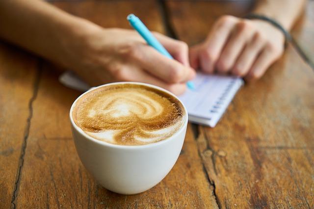 Cómo desayunar de forma saludable: ideas y consejos
