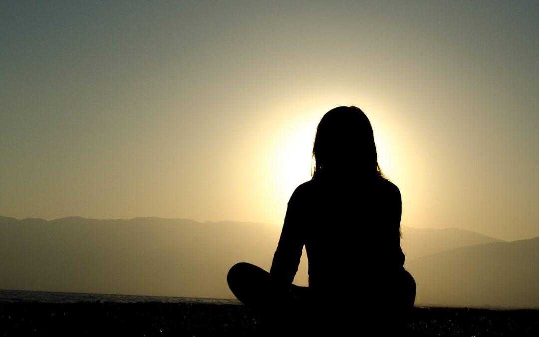 ¿Hay que ser religioso para meditar?