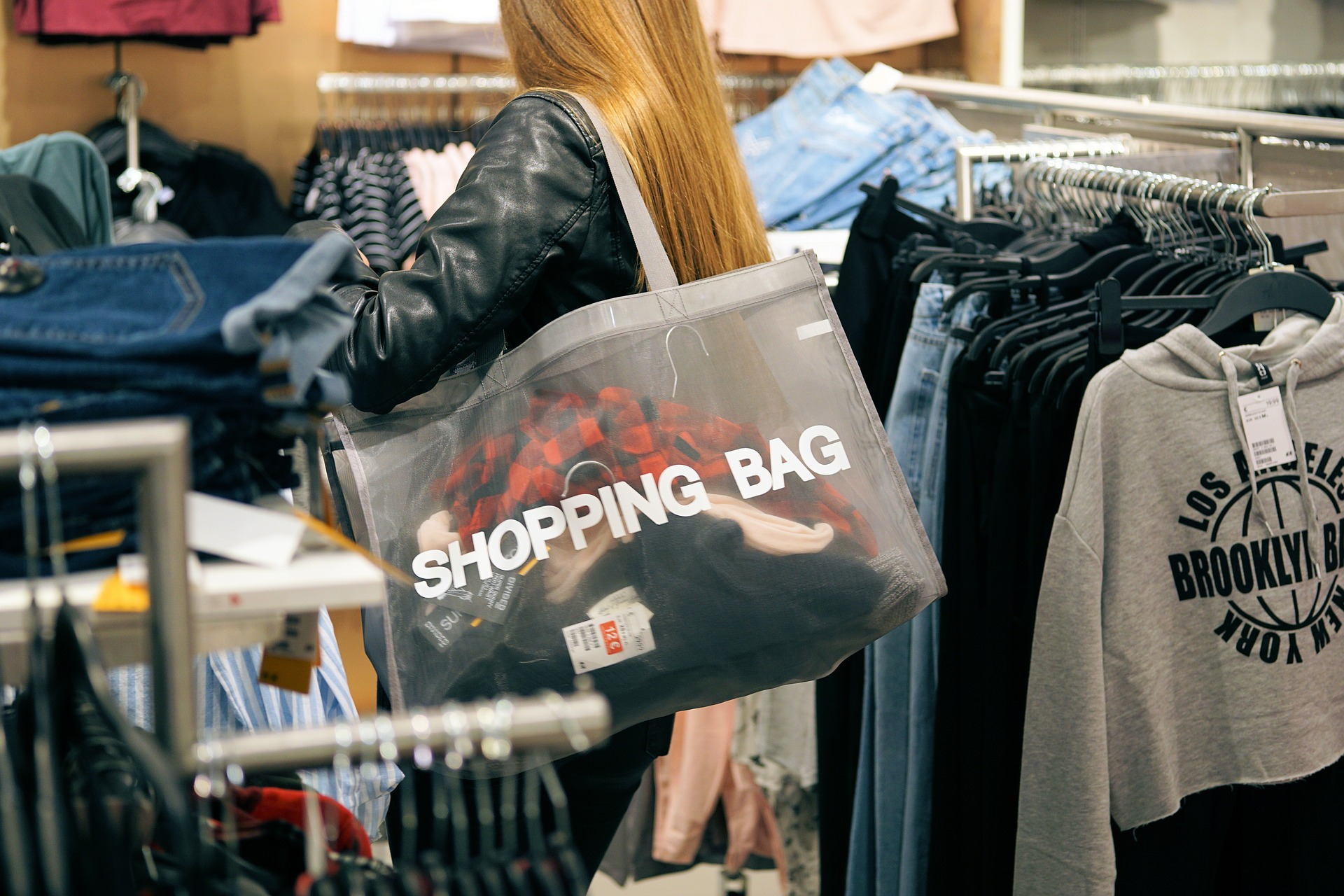 ¿Es real la sensación de felicidad que provoca el consumismo?
