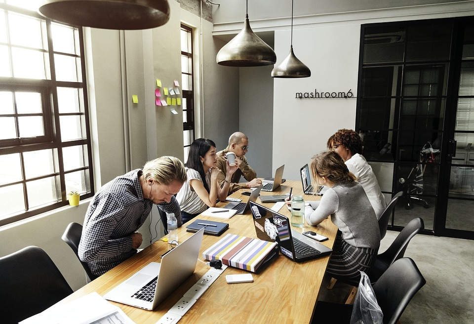 Meditar en el trabajo, ¡una tendencia muy saludable!