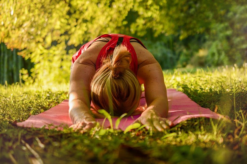 Estiramientos para relajar el cuello y la espalda