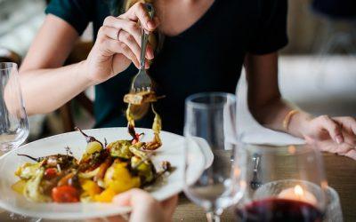 Mitos y verdades sobre las cenas: ¿cómo es una cena saludable?