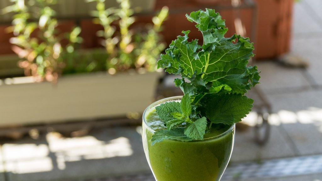 Recetas de batidos verdes energizante y antiinflamatorio