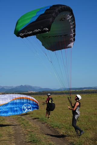 Ground handling for paragliding students