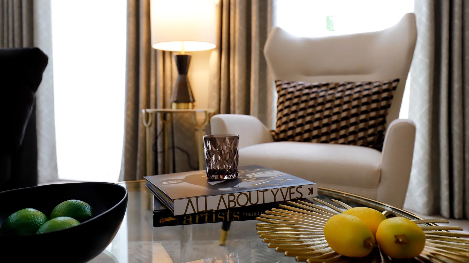 Clifton Show Apartment