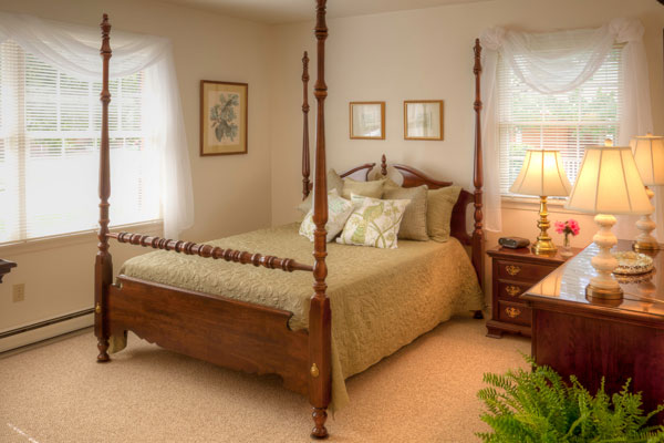 A senior bedroom of a senior living home in Virginia