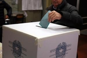 Elezioni siciliane: il PD perde voti a favore dei Cinque Stelle, il Centrodestra vince ma è stabile